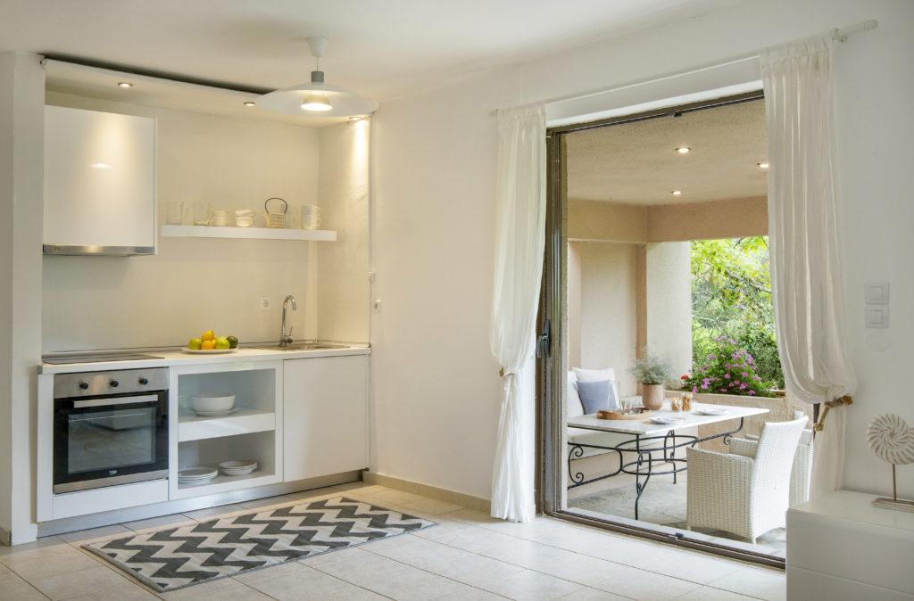 Exclusive Studio B1: Mediteranean Garden & Pool View